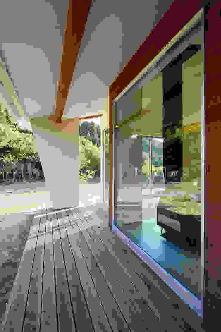 石巻町の家 北欧デザインの テラス の 株式会社kotori 北欧