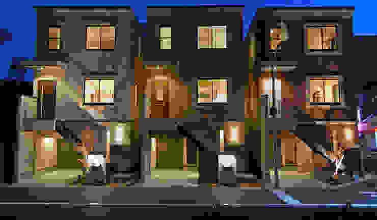 Casas de estilo ecléctico de 有限会社スタイラス / THE HOUSE OF STYLUS Ecléctico Ladrillos