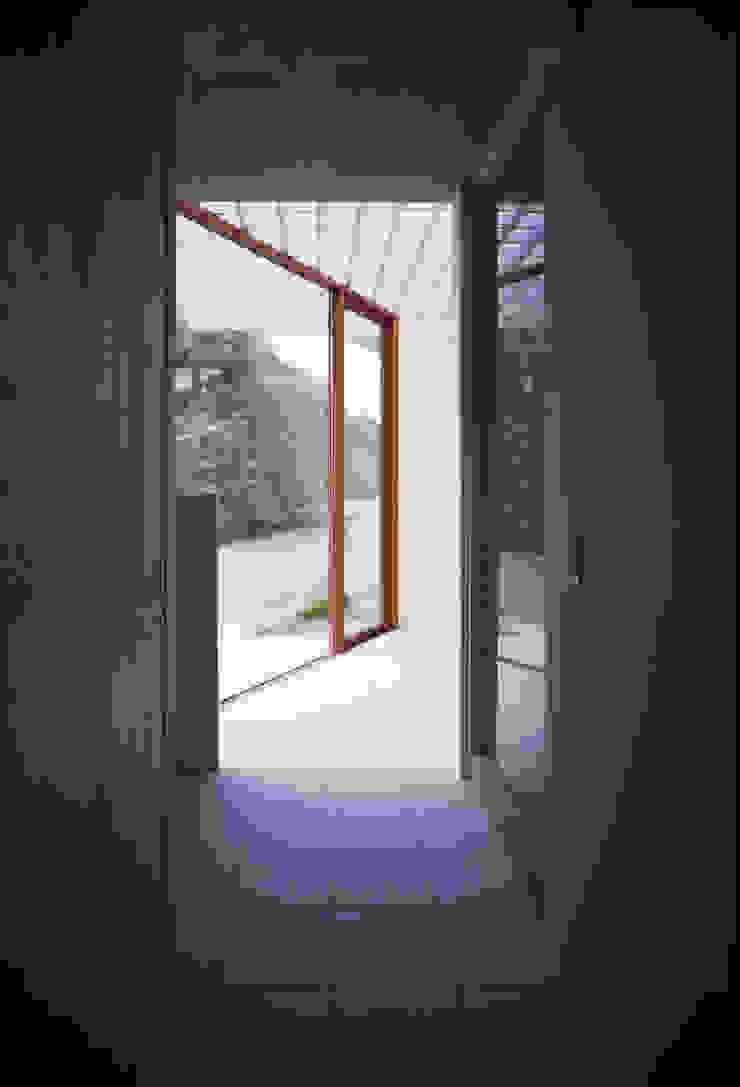 Modern bathroom by AIRアーキテクツ建築設計事務所 Modern