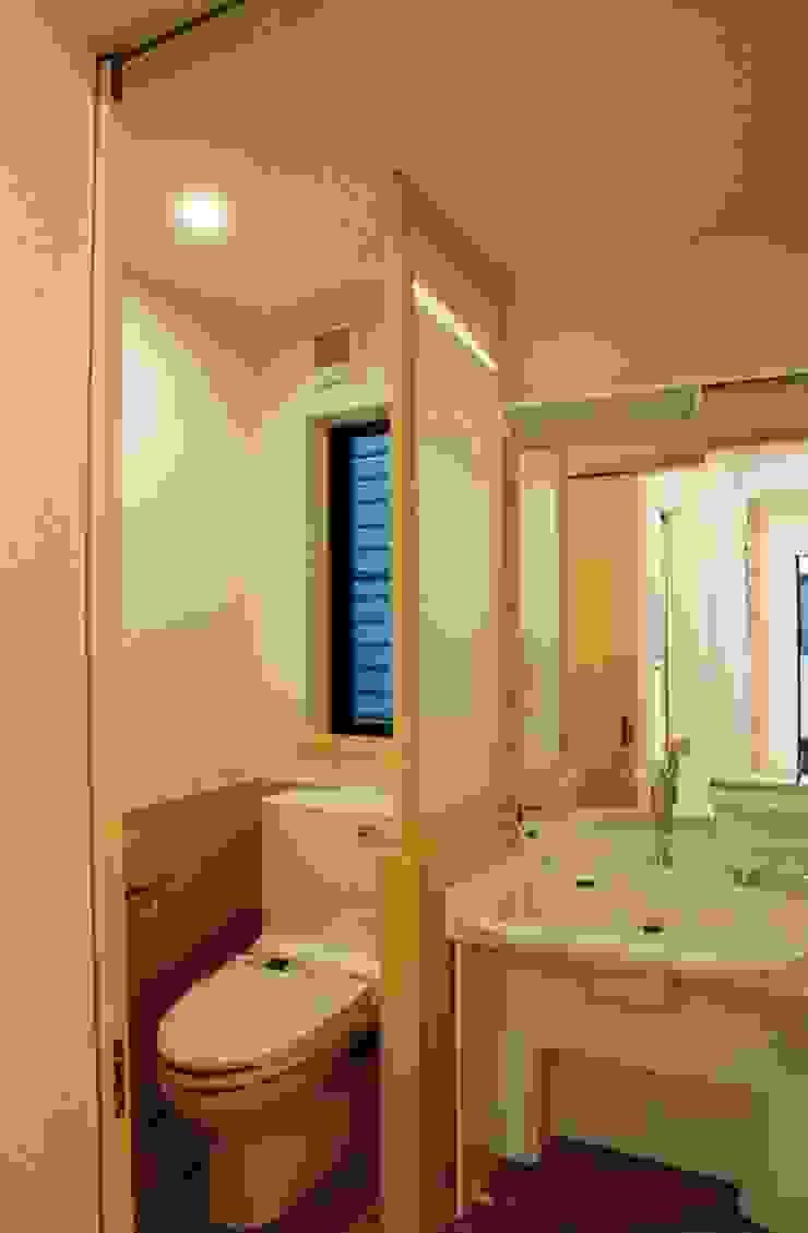 橿原の家 モダンスタイルの お風呂 の 株式会社 atelier waon モダン