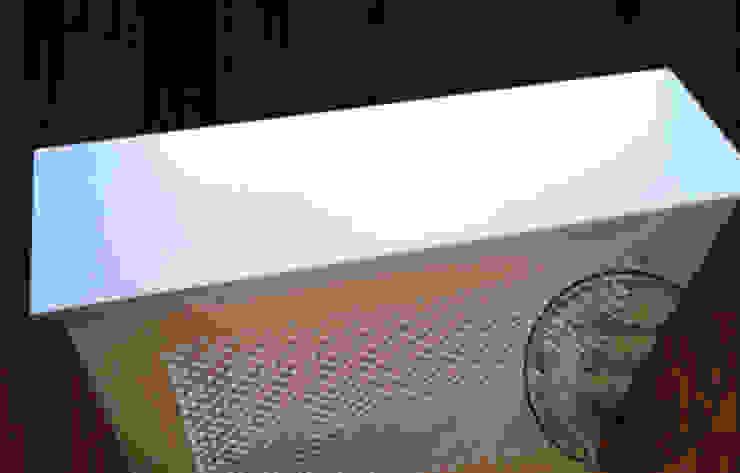 Декоративный экран для батареи (радиаторная решетка) от Столярная мастерская Михаила Дибцева Классический Дерево Эффект древесины