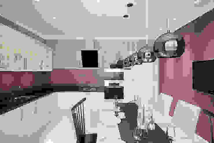 Частный дом в Зарице Кухня в стиле модерн от Студия интерьера МЕСТО Модерн