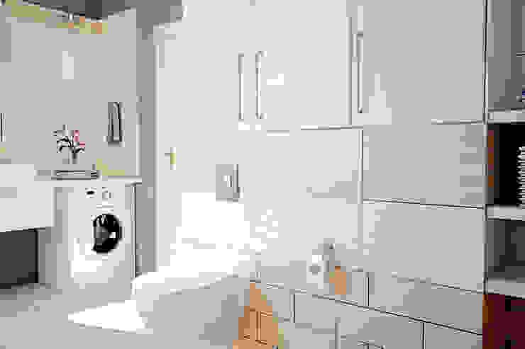 Частный дом в Зарице Ванная комната в стиле модерн от Студия интерьера МЕСТО Модерн