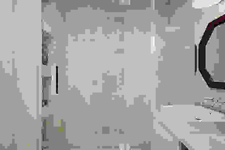 Дом в Коробчицах Ванная комната в скандинавском стиле от Студия интерьера МЕСТО Скандинавский