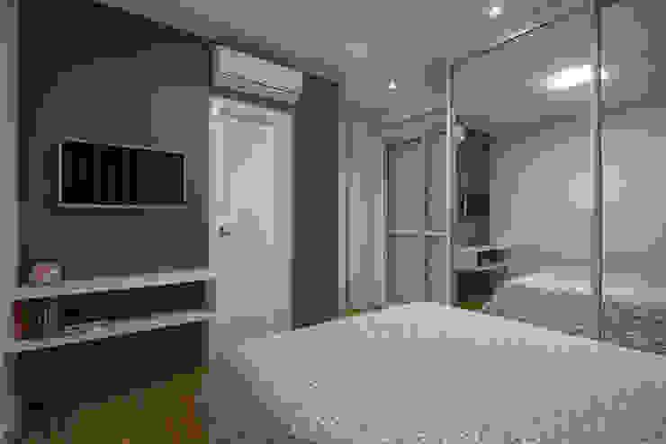 Apartamento Frankfurt Quartos modernos por Cembrani móveis Moderno