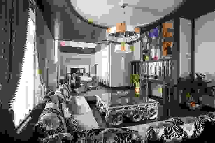 Коттедж в Подмосковье в стиле Ар-деко от Архитектурное бюро DR House