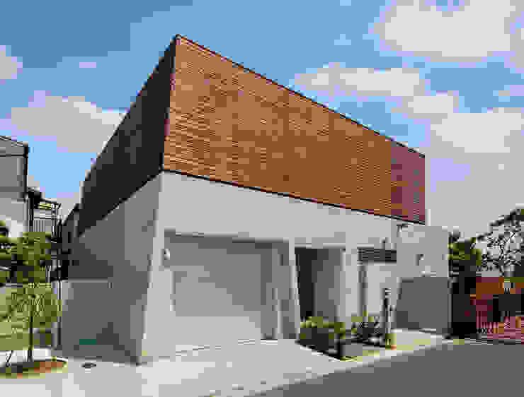 Casas modernas de モリモトアトリエ / morimoto atelier Moderno Madera Acabado en madera