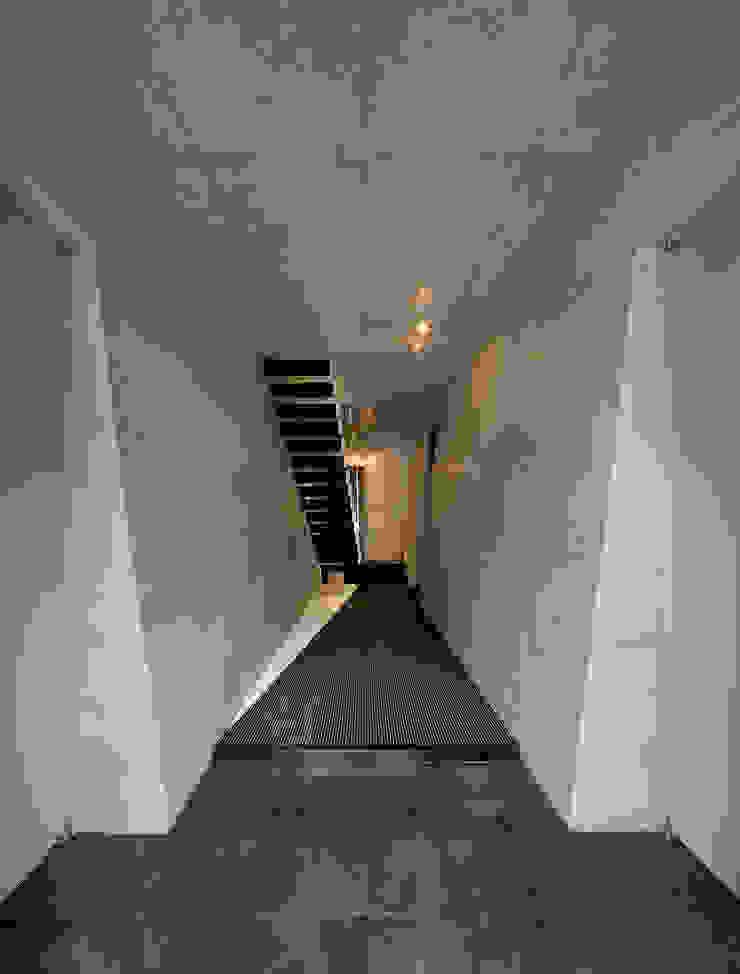 モリモトアトリエ / morimoto atelier Modern houses Grey