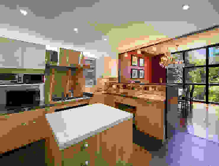 キッチン: モリモトアトリエ / morimoto atelierが手掛けた現代のです。,モダン 大理石