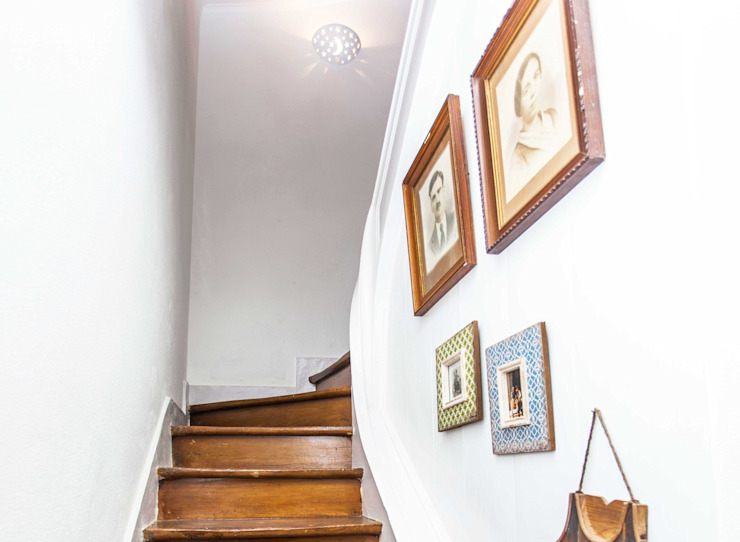 Rustic style corridor, hallway & stairs by alma portuguesa Rustic