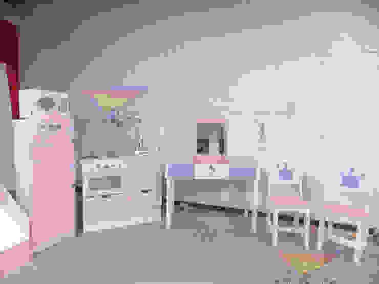 Femeninos y divertidos muebles para niñas Dormitorios infantiles modernos de camas y literas infantiles kids world Moderno Madera Acabado en madera