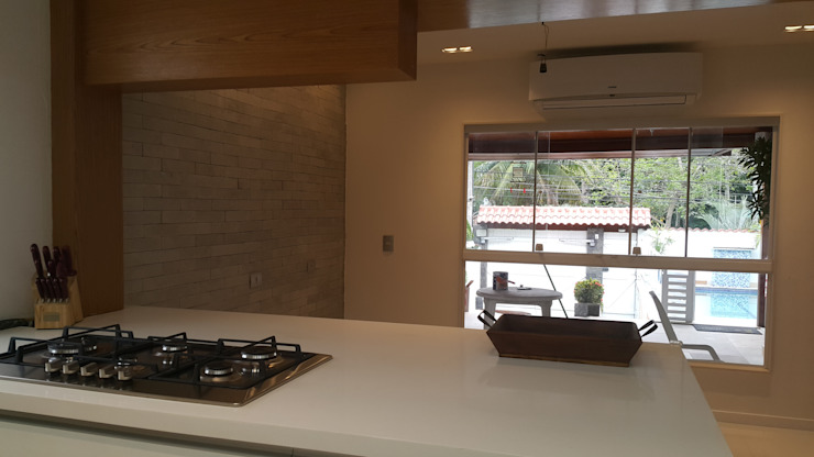 Projeto cozinha integrada ao jantar. Por Lucio Nocito Arquitetura Salas de jantar minimalistas por Lucio Nocito Arquitetura e Design de Interiores Minimalista