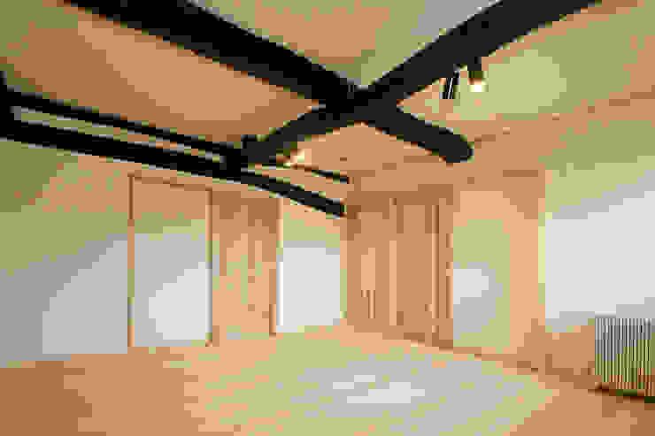 寝室 クラシカルスタイルの 寝室 の 吉田建築計画事務所 クラシック
