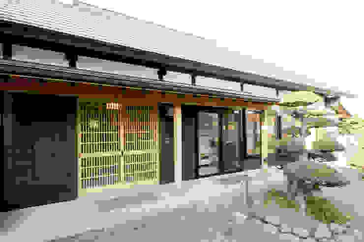Houses by 吉田建築計画事務所