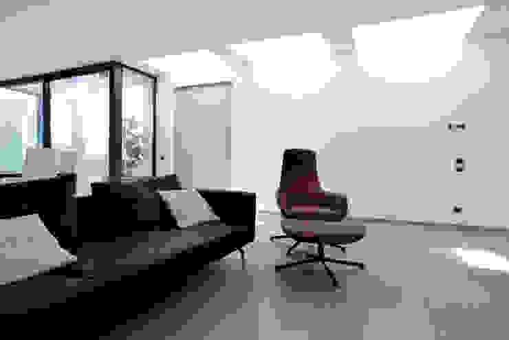 Casa GM Soggiorno moderno di Maria Eliana Madonia Architetto Moderno