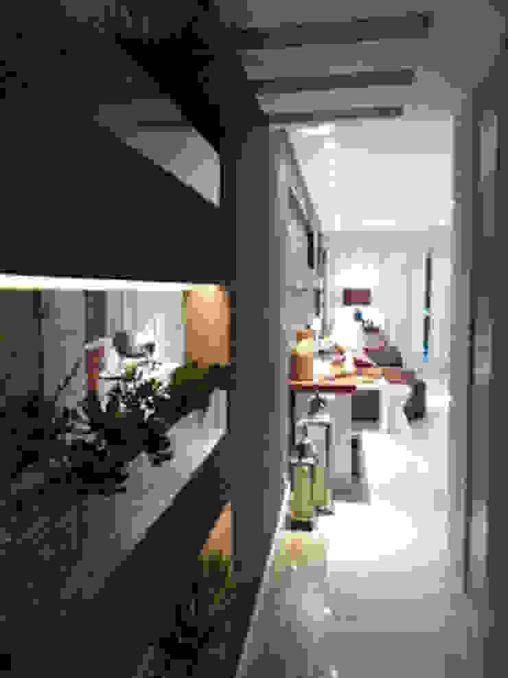 Hall com jardim de inverno Jardins de inverno ecléticos por Lucio Nocito Arquitetura e Design de Interiores Eclético