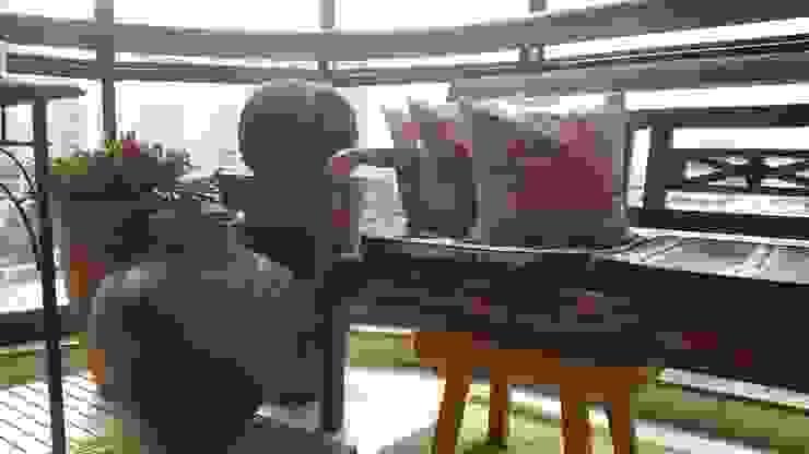 Conceito varanda por Lucio Nocito Arquitetura Varandas, alpendres e terraços rústicos por Lucio Nocito Arquitetura e Design de Interiores Rústico