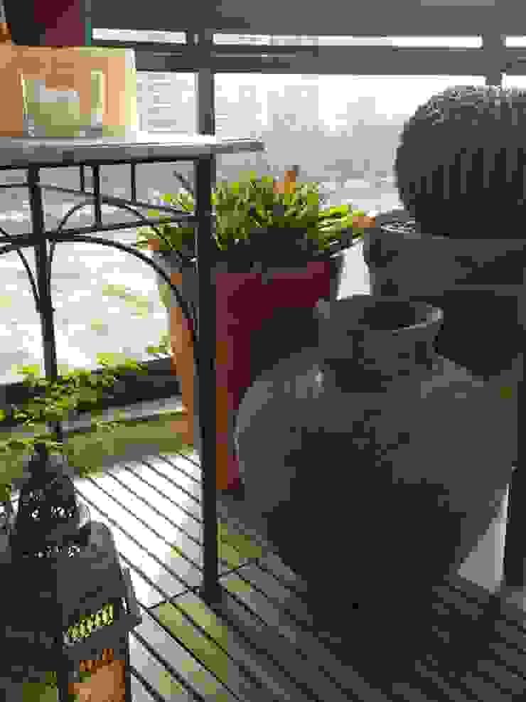 Detalhes varanda por Lucio Nocito Arquitetura Varandas, alpendres e terraços tropicais por Lucio Nocito Arquitetura e Design de Interiores Tropical
