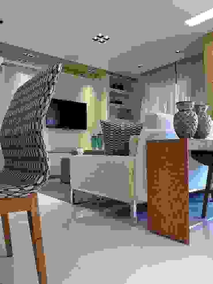 Living apartamento alto padrão na Barra da Tijuca RJ Salas de estar modernas por Lucio Nocito Arquitetura e Design de Interiores Moderno