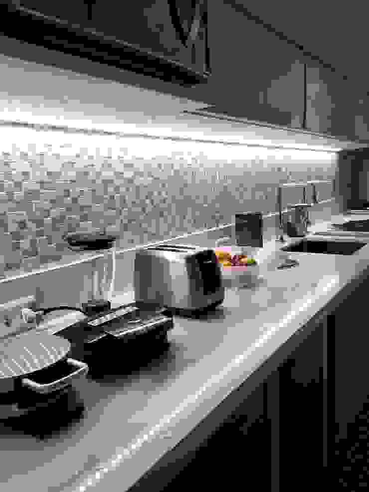 Detalhes cozinha por Lucio Nocito Arquitetura Cozinhas modernas por Lucio Nocito Arquitetura e Design de Interiores Moderno