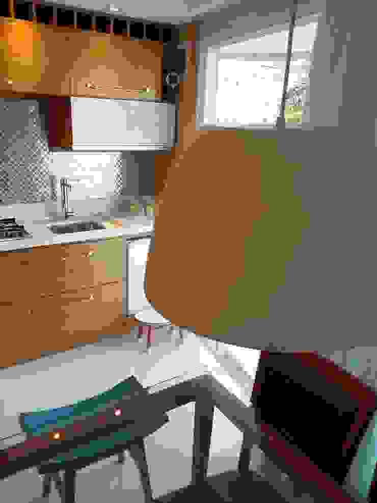 Detalhes flat na orla do Rio repaginado pelo arquiteto Lucio Nocito Arquitetura e Design de Interiores Rio de Janeiro Cozinhas modernas por Lucio Nocito Arquitetura e Design de Interiores Moderno