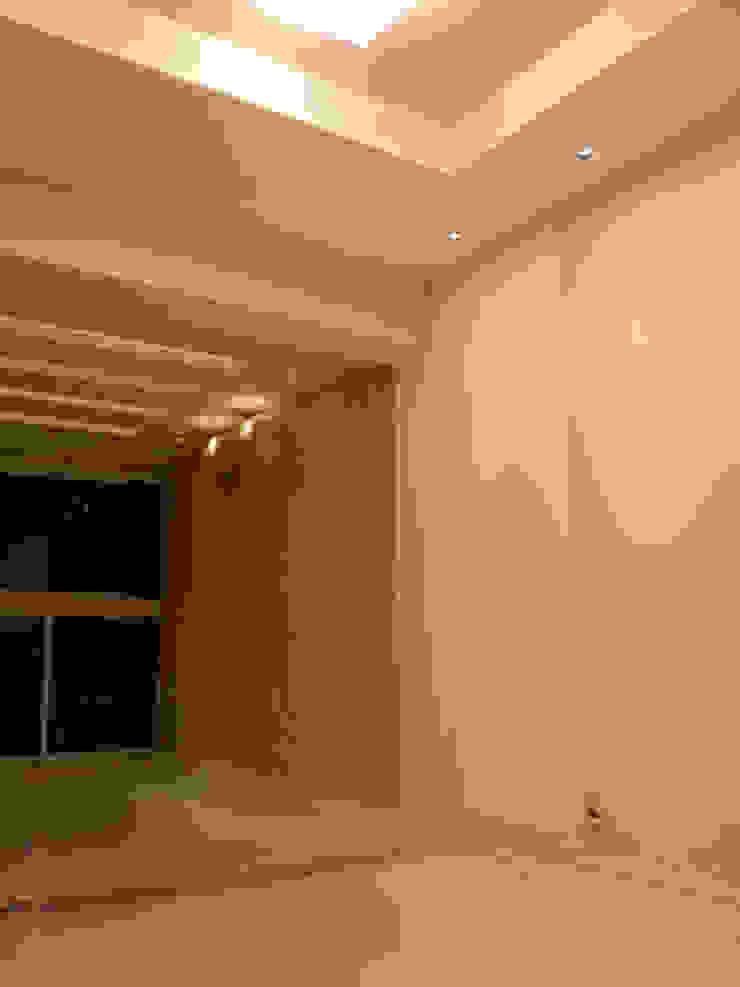 Detalhes revestimentos Paredes e pisos modernos por Lucio Nocito Arquitetura e Design de Interiores Moderno