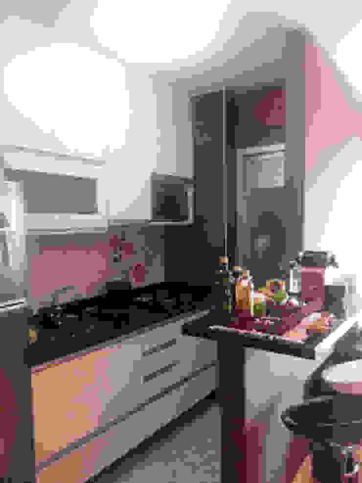 Cozinha americana. Projeto Lucio Nocito Arquitetura para apartamento em Bela Vista SP. Cozinhas modernas por Lucio Nocito Arquitetura e Design de Interiores Moderno