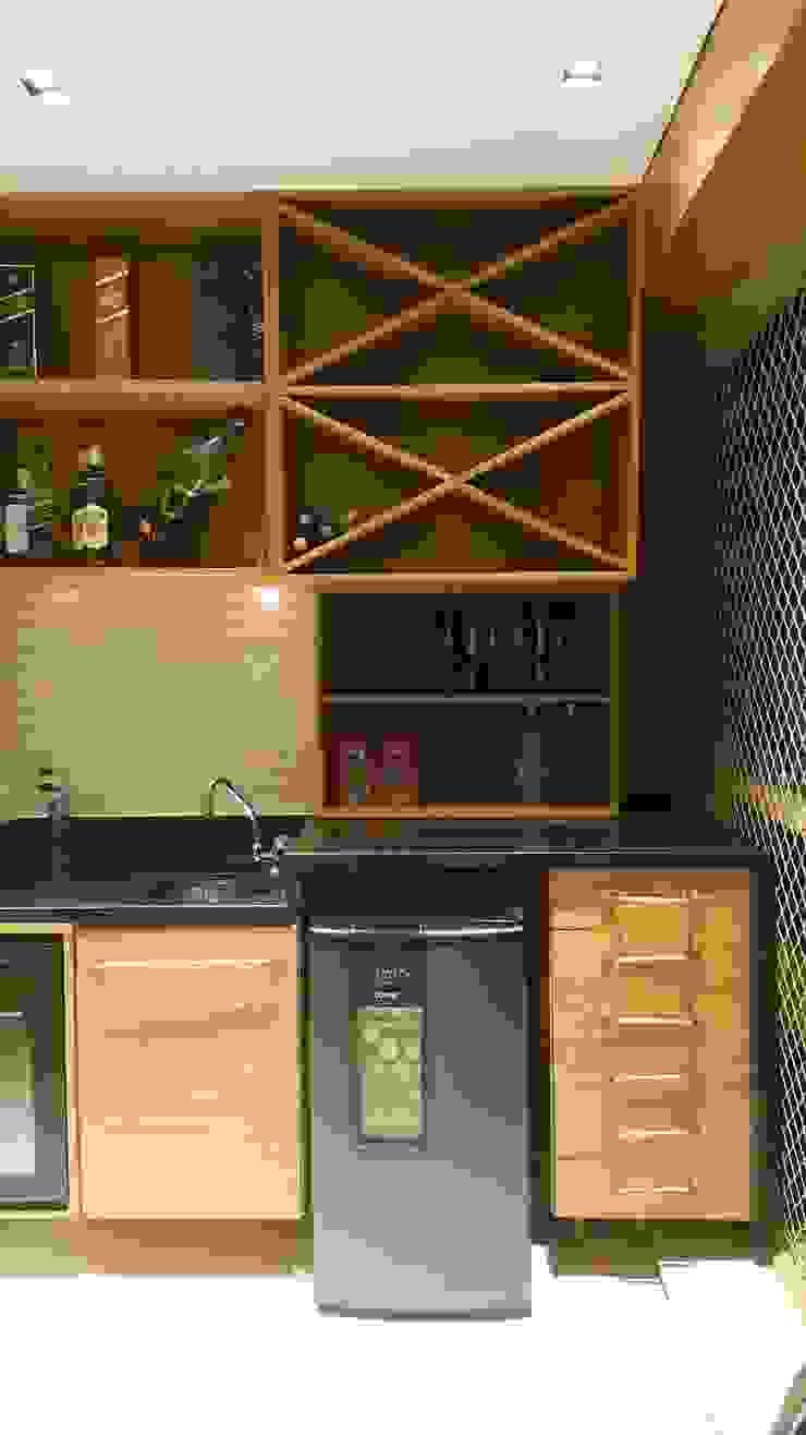 Espaço gourmet por Lucio Nocito Arquitetura para apartamento alto padrão na Barra da Tijuca RJ Varandas, alpendres e terraços rústicos por Lucio Nocito Arquitetura e Design de Interiores Rústico