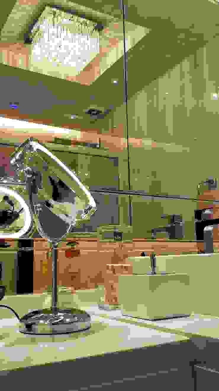 Detalhes banheiro feminino por Lucio Nocito Arquitetura Banheiros clássicos por Lucio Nocito Arquitetura e Design de Interiores Clássico