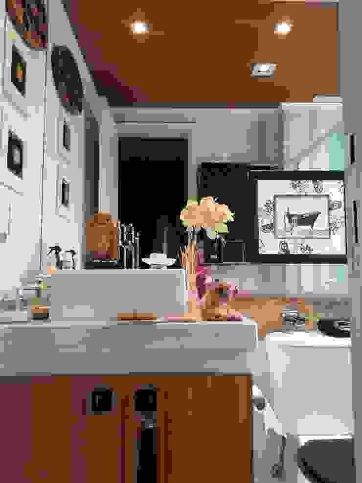 Acabamentos no banheiro masculino Paredes e pisos rústicos por Lucio Nocito Arquitetura e Design de Interiores Rústico