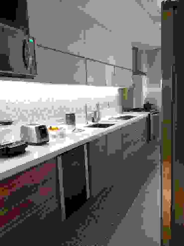 Detalhes cozinha Cozinhas modernas por Lucio Nocito Arquitetura e Design de Interiores Moderno