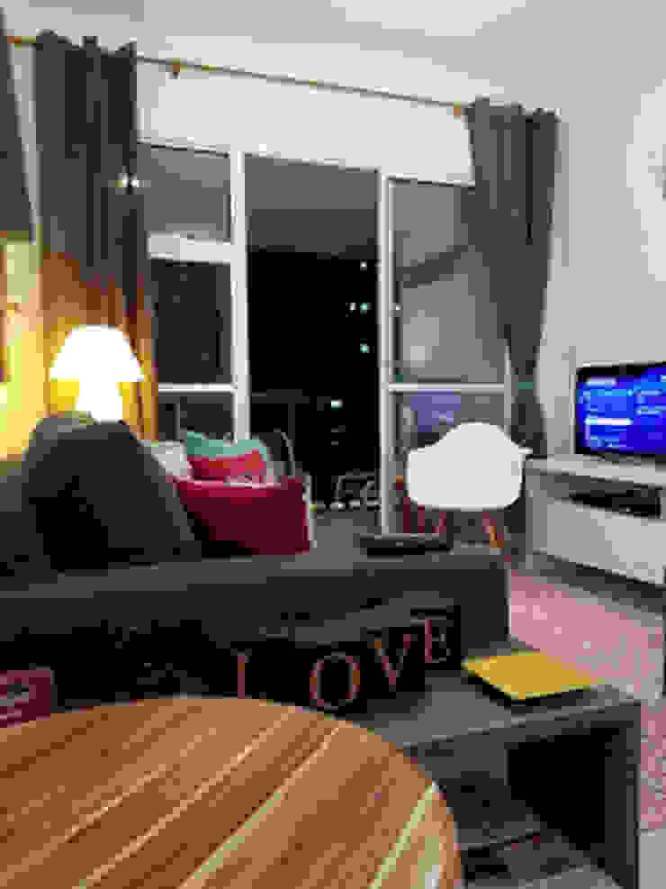Conceito apartamento jovem para recém formada. Por Lucio Nocito Arquitetura e Design de Interiores Rio Salas de estar modernas por Lucio Nocito Arquitetura e Design de Interiores Moderno