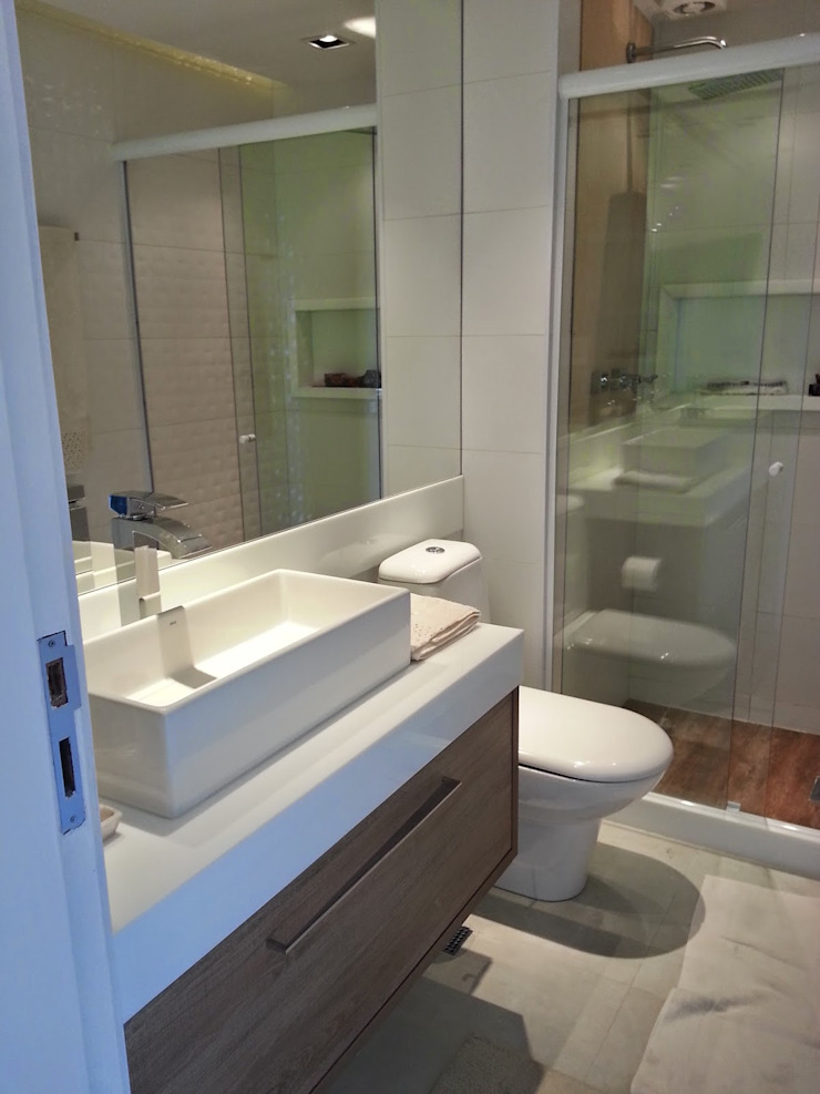 Banheiro clean Banheiros modernos por Lucio Nocito Arquitetura e Design de Interiores Moderno
