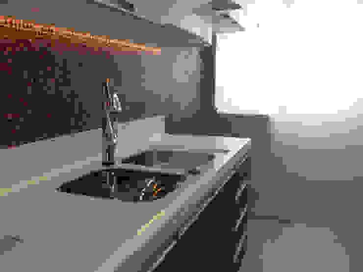 Cozinha por Lucio Nocito Arquitetura Cozinhas modernas por Lucio Nocito Arquitetura e Design de Interiores Moderno