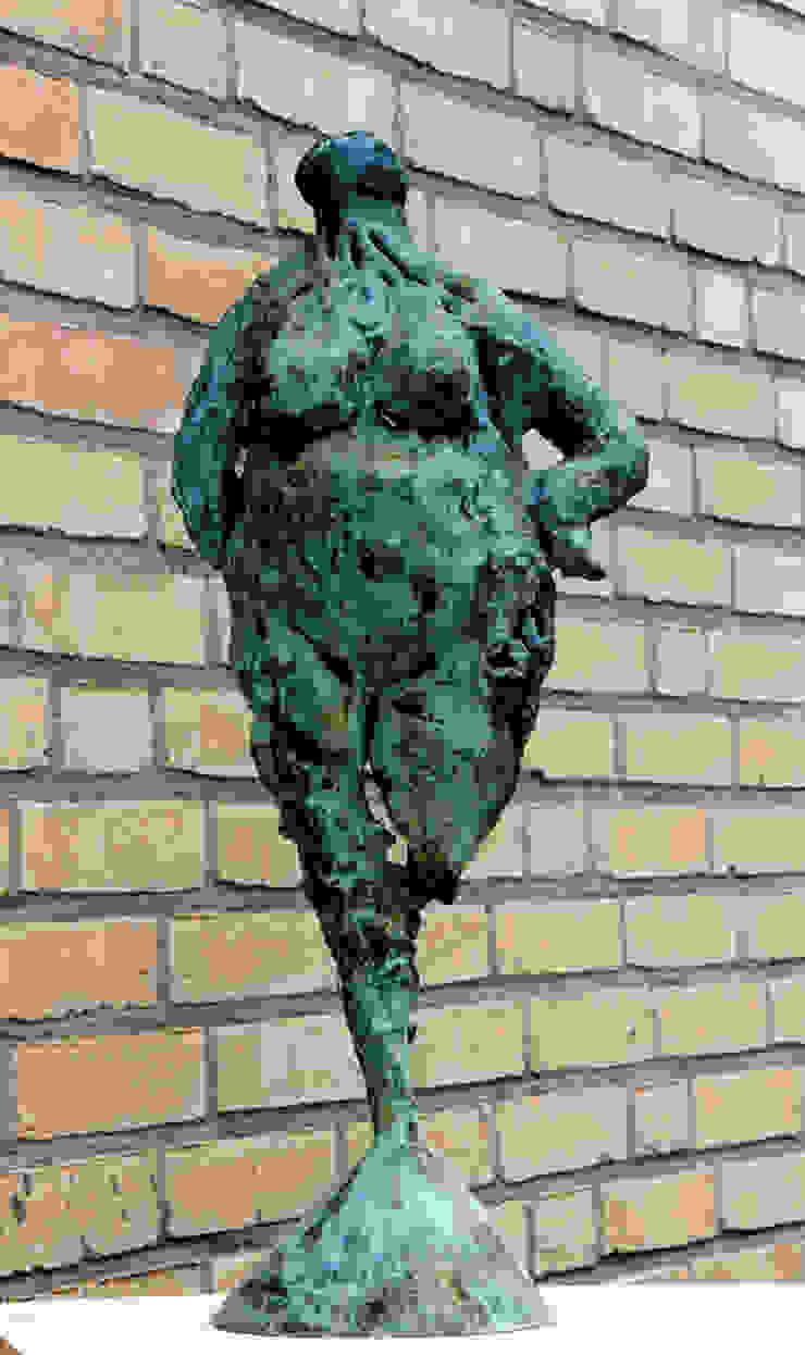 Stevige meid 2 Beeldhouwerij van Velzen Kunst Sculpturen Koper / Brons / Messing Groen