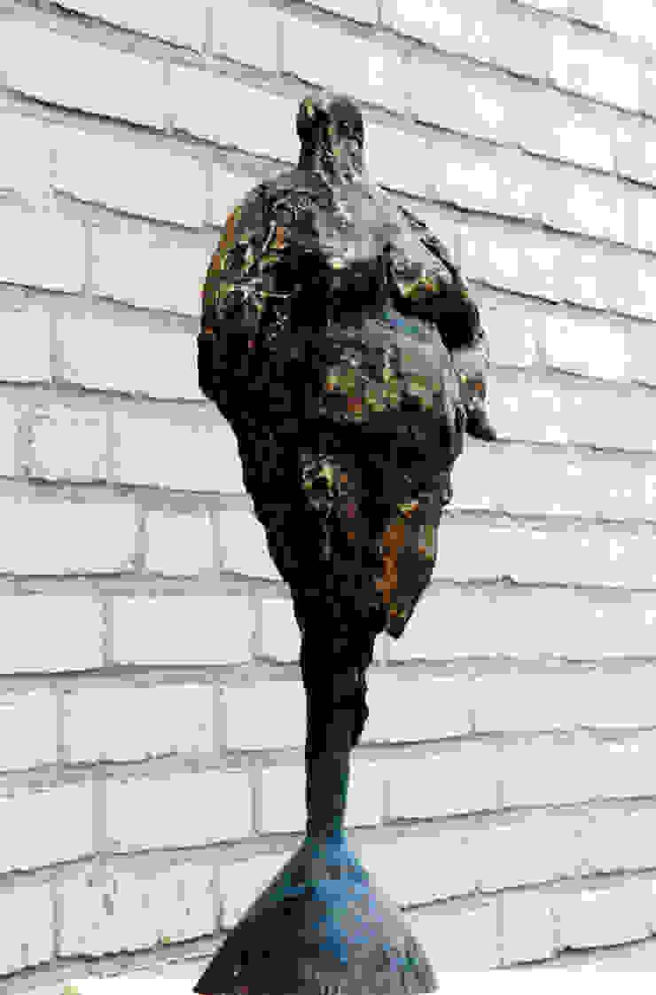 Stevige meid 1 Beeldhouwerij van Velzen Kunst Sculpturen Koper / Brons / Messing Bruin