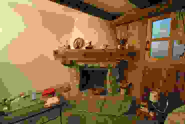Salon rustique par Sangineto s.r.l Rustique Pierre