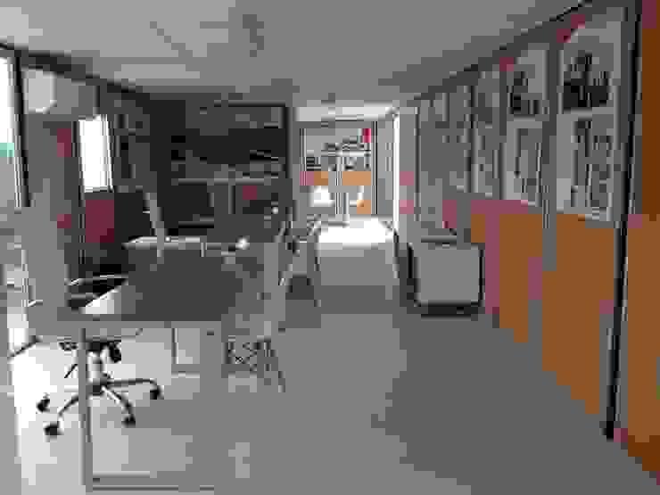 Oficina de ventas móvil de Xarzamora Diseño Minimalista