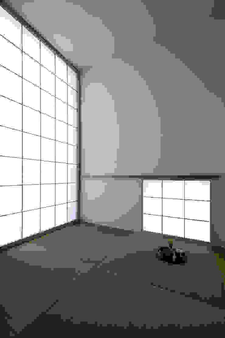 โดย 株式会社廣田悟建築設計事務所 โมเดิร์น กระดาษ