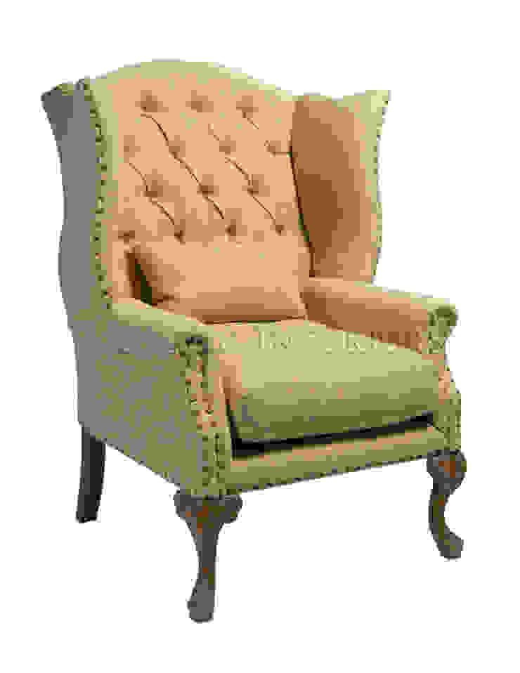 КреслоSebastian Armchair A121 от LeHome Interiors Классический Дерево Эффект древесины