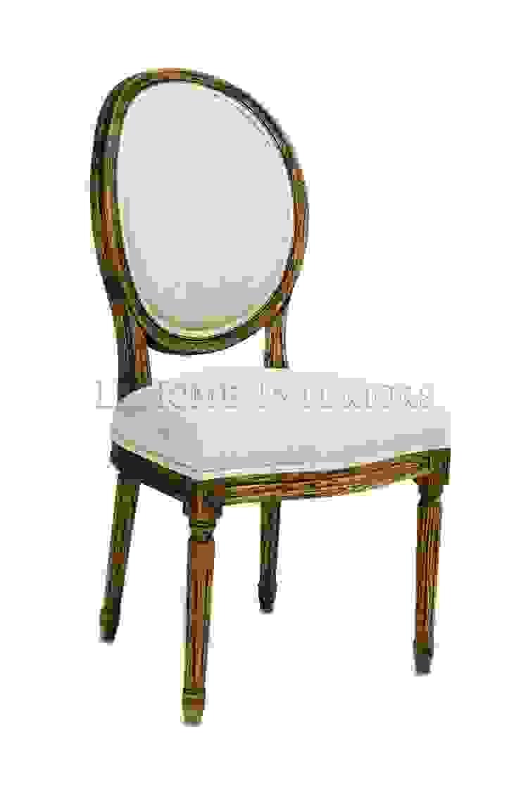 Стул Douglas Classical Chair C023/002 от LeHome Interiors Классический Дерево Эффект древесины