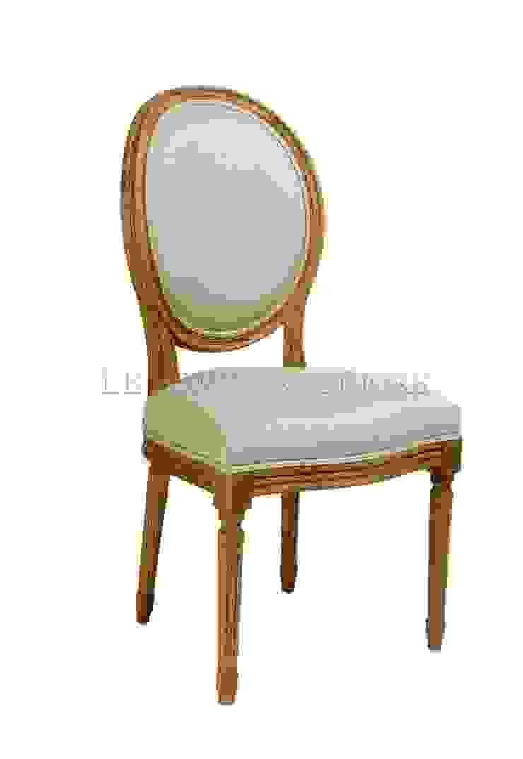 Стул Douglas Classical Chair C023/011 от LeHome Interiors Классический Дерево Эффект древесины