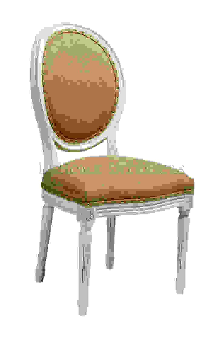 Стул Douglas Classical Chair C023/022 от LeHome Interiors Классический Дерево Эффект древесины