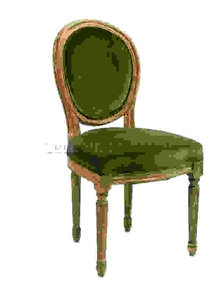 Стул Savas Chair C006 от LeHome Interiors Классический Дерево Эффект древесины