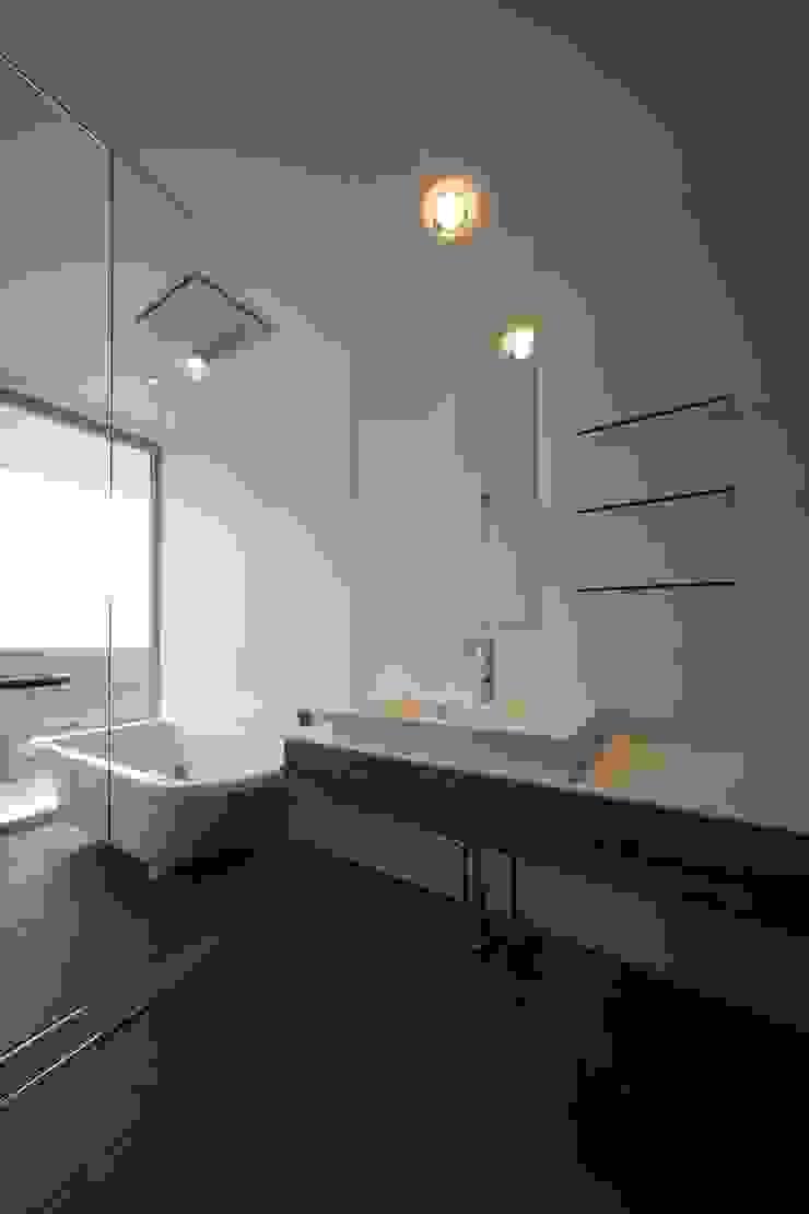 TT モダンスタイルの お風呂 の 株式会社廣田悟建築設計事務所 モダン タイル