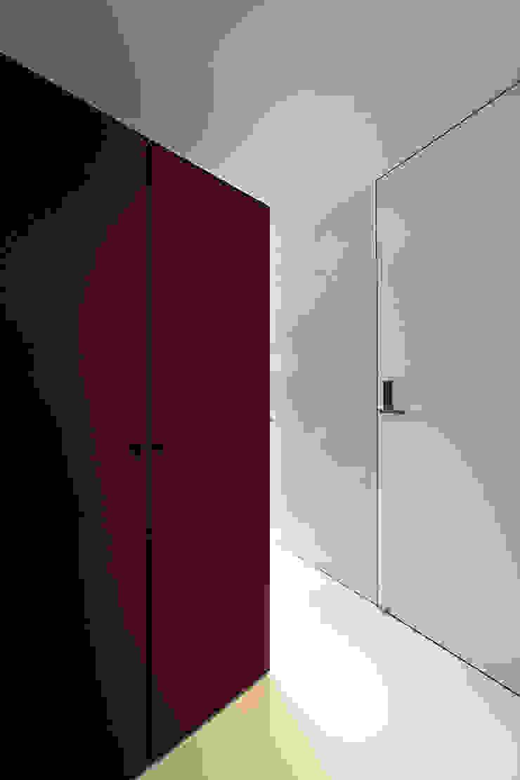 TT モダンスタイルの 玄関&廊下&階段 の 株式会社廣田悟建築設計事務所 モダン