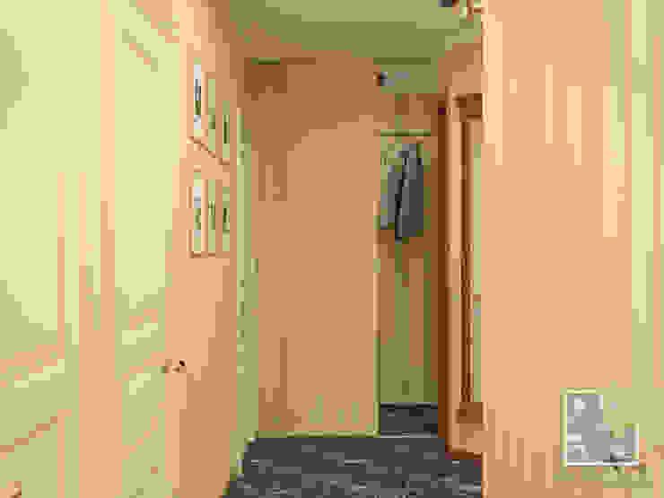 Коридор Коридор, прихожая и лестница в эклектичном стиле от Елена Марченко (Киев) Эклектичный