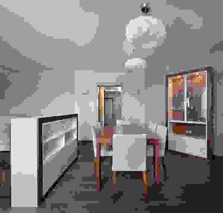 THE NUT WOOD Гостиная в стиле модерн от MAKK Модерн