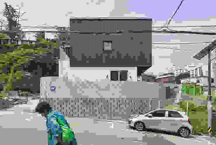 Casas modernas por OBBA Moderno