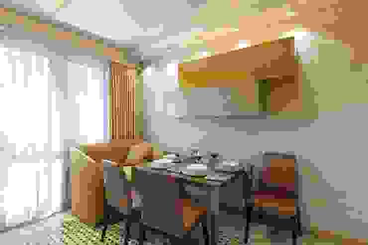 Classic style kitchen by Дизайн студия Алёны Чекалиной Classic